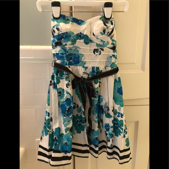 dELiA*s Dresses & Skirts - White dress with blue flowers